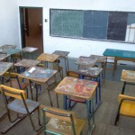 Policía impidió que profesores ocuparan local de Secundaria