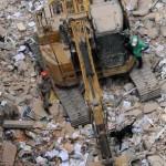 Misterioso derrumbe simultáneo de tres edificios en pleno centro: muertos, heridos y desaparecidos