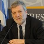 """Ministro Kreimerman descartó que Uruguay """"ponga la otra mejilla"""" en negociaciones con Argentina"""
