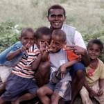 """Encuesta mundial Gallup: 2 países pobres entre los 3 """"más felices del mundo"""""""