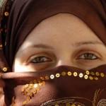 Agitación religiosa porque mujeres saudíes ya pueden vender lencería y cosmética