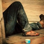 Desigualdades sociales aumentan en países ricos y clase media desaparece