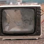 Una hora al día de televisión es tan dañina como fumar dos cigarrillos diarios