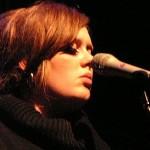 Adele vuelve tras operación de garganta
