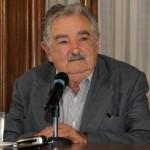 Mujica consultará a estudiantes y padres para la reforma de la educación
