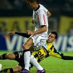 Corinthians le empató a Táchira en la hora