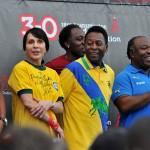 Pelé prestó su imagen para campaña contra el SIDA en África