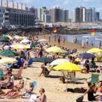 Carnaval compensó con creces el bajón de turistas de la primera quincena