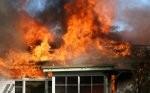 Salvó cinco niños que no salían de la casa que estaba en llamas