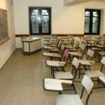 Desocupación policial de liceo extiende conflicto docente