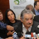 """Mujica: """"conversar"""" con Brasil para tener la """"cancha más despejada"""" en el Mercosur"""