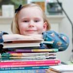 Descubren niña con el coeficiente intelectual de Einstein