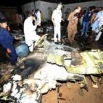 Avión se estrella en Pakistán con 127 ocupantes, no hay sobrevivientes