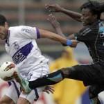 """Defensor cayó 2-0 ante los """"chullas"""" en la altura de Quito"""