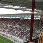 Gobierno español decidió que los periodistas paguen gastos en los estadios