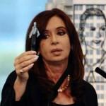 """Argentina expropiará 51% de petrolera YPF y España deplora """"acto hostil"""""""