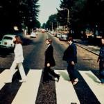 """Miles de euros por foto original en la mítica cebra de Abbey Road, pero """"al revés"""""""