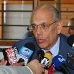 """Topolansky delira"": Batlle se dice acusado de haber introducido la pasta base"