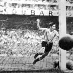 """La pelota del Mundial del 50 que rematan en Brasil sería robada y """"bastante parecida"""", pero no la auténtica"""