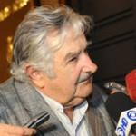 """Mujica: """"propensión al apoyo social, es de las mejores tradiciones del país"""""""