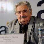 Mujica abrió programa de inclusión a miles de jóvenes que ni trabajan ni estudian