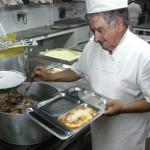 Casi 4 cada 10 uruguayos comen directamente de mano del Estado