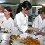 Tasa de empleo femenino es 20 puntos inferior a la de hombres