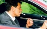Tóxicos del tabaco se acumulan en autos pese a fumar con ventanas abiertas