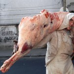 Bajó la carne: media res y cortes con hueso caen de 3 a 5 pesos por kilo