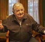 Mujica retorna a su actividad pero bajo control médico y de forma gradual