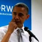 Obama llora al agradecer el trabajo de los voluntarios