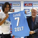 Nápoles: De Laurentis rechazó una oferta de 55 millones de euros por Cavani