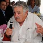 Presidente Mujica vaticina horizonte 2013 despejado en lo económico y movido en lo político