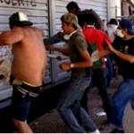 Argentina: asaltos colectivos a comercios evocan el estallido social de diciembre de 2011