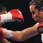 Namús derrotó a su retadora, la colombiana Luz Florez, y retuvo el título Superligero