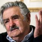 """Mujica a opositores que le piden echar a Calloia: """"¿Por qué mejor no van a controlar a sus señoras esposas, a ver dónde andan?"""""""