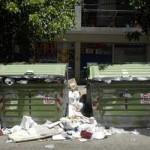 Atentan cada año contra la mitad de los contenedores de basura en Montevideo