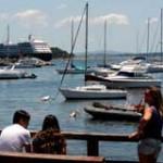 """Punta del Este: catamarán salió del puerto """"cerrado"""" y ahora está a la deriva"""