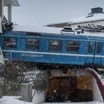 Limpiadora roba un tren, lo maneja quilómetros y lo estrella contra un edificio
