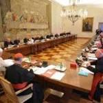 """Bloquean todos los pagos electrónicos a El Vaticano acusado de """"lavar dinero"""""""