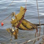 Barco pesquero halló puerta de un avión en el Río de la Plata, que serían del Air Class