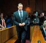 Caso Pistorius: la novia del atleta estaba embarazada cuando la asesinó