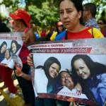 Con Chávez enfermo, sus simpatizantes se vuelcan en la religión
