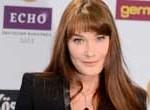 Carla Bruni lanza su nuevo disco, en medio de polémica política