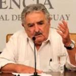 Mujica ordena resolver los problemas de vivienda para sectores bajo y medio