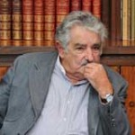 Mujica y el Frente Amplio recibirán a los maestros para tratar sus reclamos