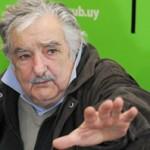 """Mujica acusa a la prensa de """"irresponsabilidad: dan crédito a cualquier bolazo"""""""
