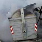 Procesan con prisión a tres personas por prender fuego un contenedor de basura