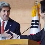 Secretario de Estado John Kerry llega a Japón para hablar de la crisis con Corea del Norte