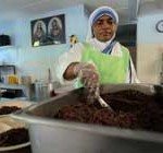 Gobierno de Miami prohíbe a monjas de la Madre Teresa alimentar a los pobres
